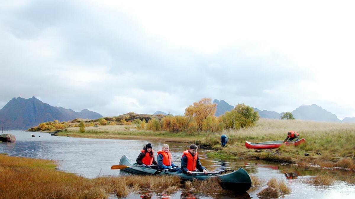 Friluftsliv kan være så mangt, kanotur, som her med Vesterålen turlag, for eksempel.
