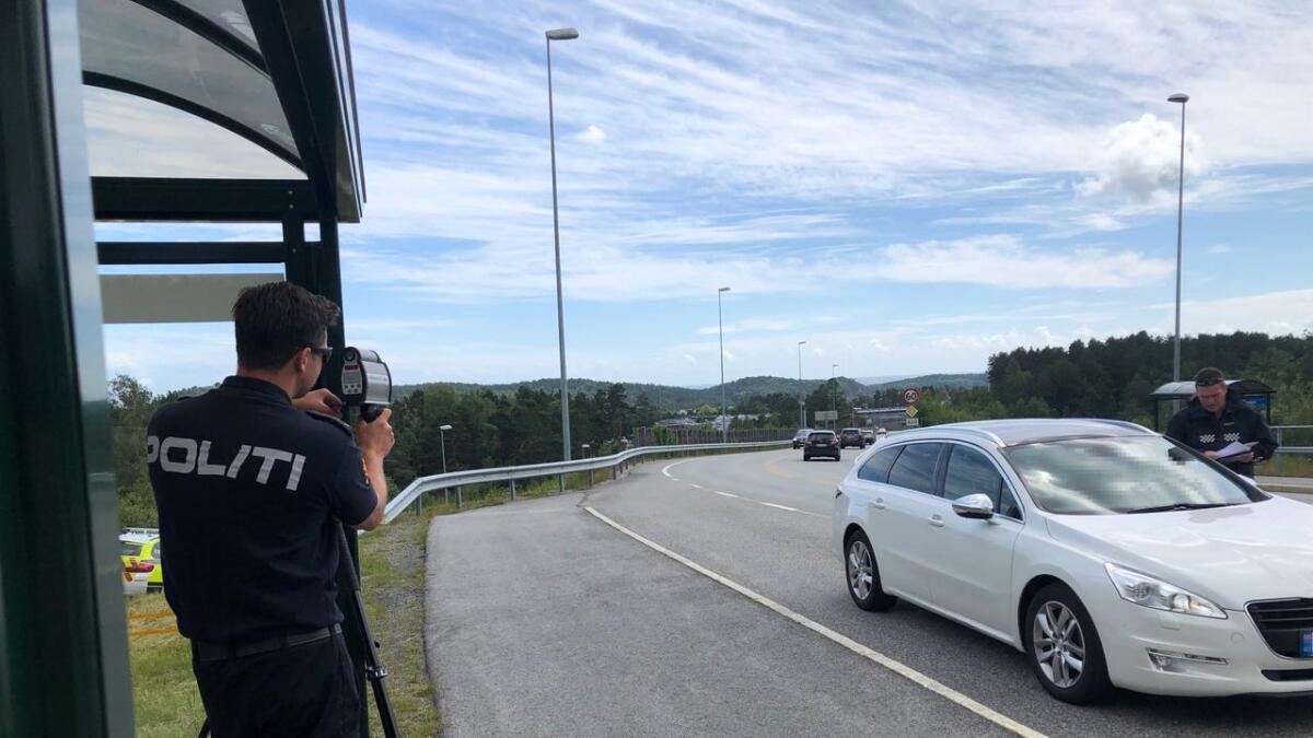 Her på fylkesvei 420 på Gaupemyr i Lillesand avholdt politiet fartskontroll fredag ettermiddag.