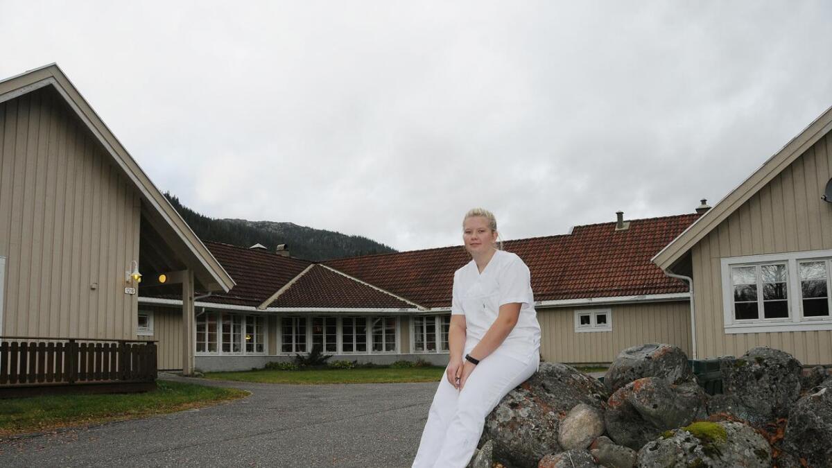 På tredje året driv niandeklassingen friviljug arbeid på Steinmoen bu- og servicesenter. Omtanke for folk er drivkrafta hennar.