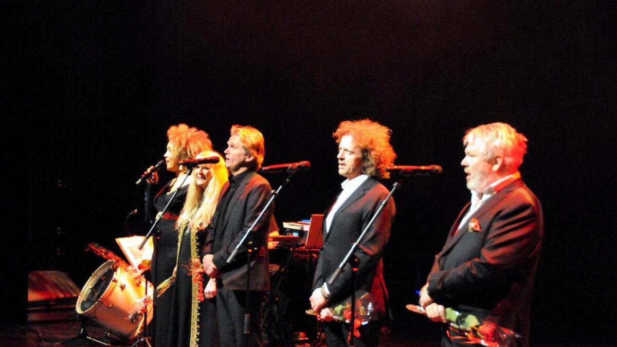 Fem solister deltok på konserten.