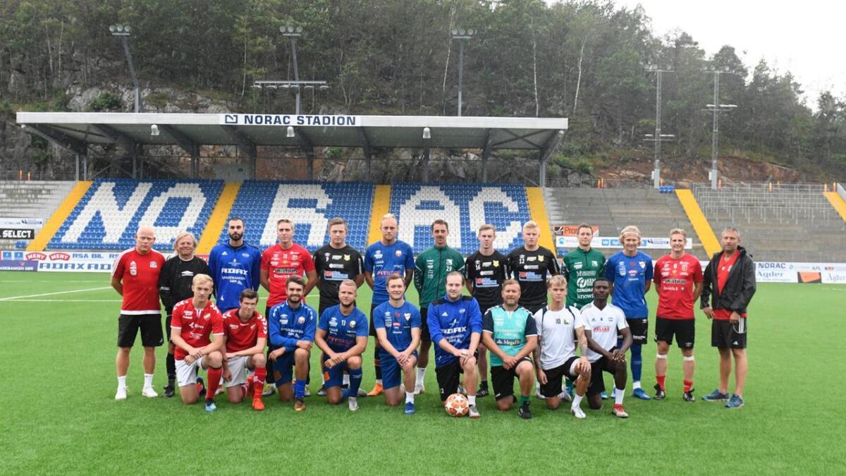 Søndag ettermiddag trente «Sommerlaget» sammen for første gang. Et drøyt døgn senere møter spillerne Arendal Fotball. Kampstart er 18.00 og det er gratis inngang på Norac.