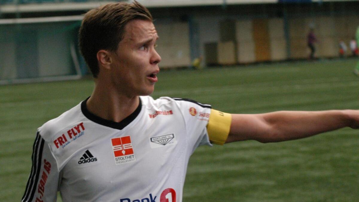 Marius Jørgensen tar pause fra spill for Sortland IL. Nå kan det i stedet bli 3. divisjonsfotball for Melbo IL.