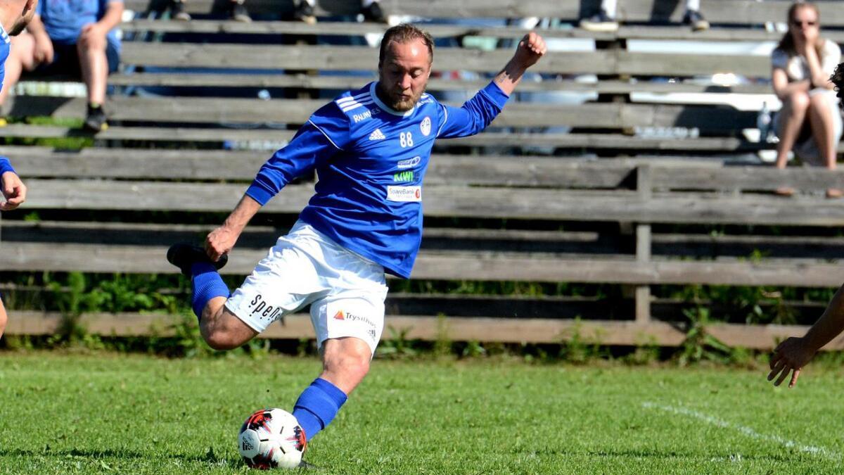 Lasse Holum Hansen scoret igjen for R&Å. Dette er et bilde fra et serieoppgjør tidligere i sesongen.