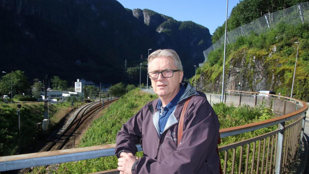 Ordførar Eirik Haga er uroa for K5, etter at det no er komme fram at prosjektet treng meir pengar.
