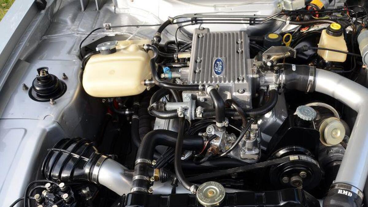 rent. I motorrommet er det både ryddigere og renere enn da bilen var ny. Kombinasjonen V6 og turbo sørger for rikelig med hestekrefter.
