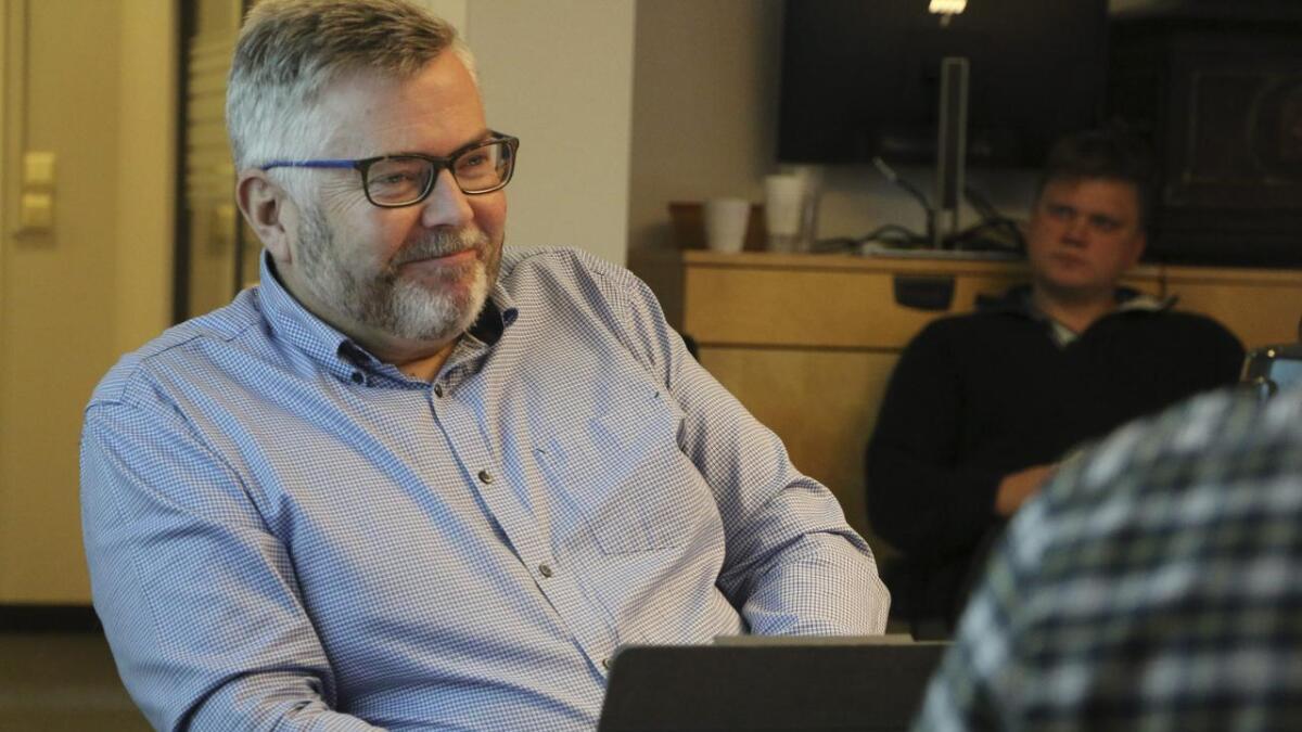 I inneverande periode har Terje Sperrevik sete i plan- og bygningsutvalet for TvS. No tek han plass ved enden av bordet, som leiar i utvalet og representant for Senterpartiet.