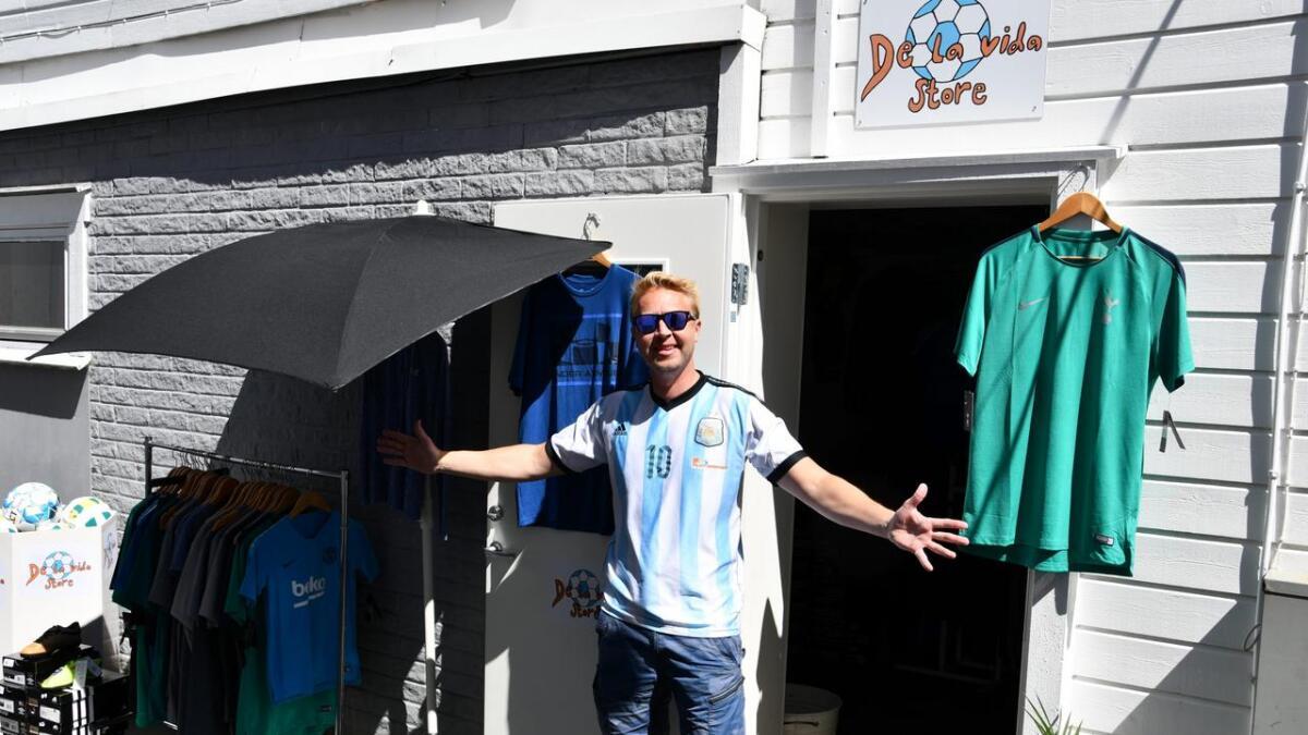 André Didriksen har startet opp butikken De la vida store i smuget han selv kaller «sydensmuget».
