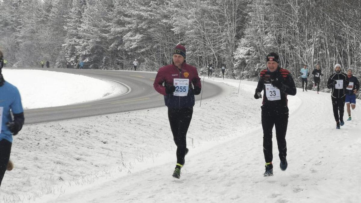 Arild Hagen (startnr. 255), H&O, løp jevnt og godt og vant klasse 50-54 år.