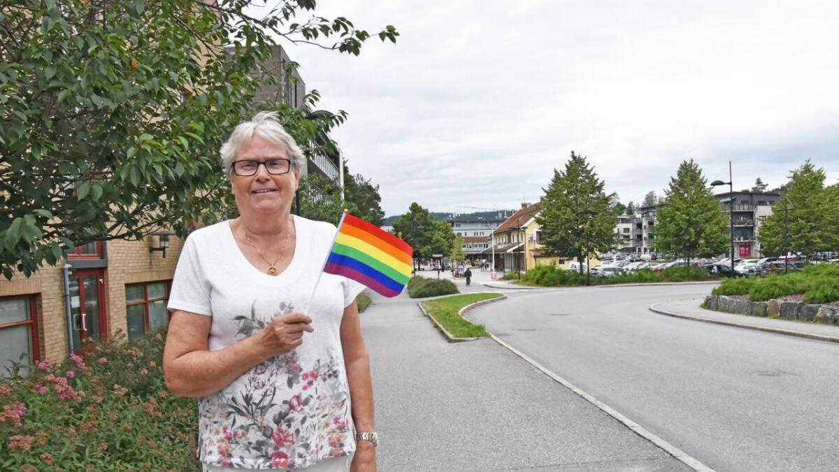 Allis Haugland er en stolt Pride-deltaker og håper så mange som mulig vil komme å gå i tog eller se på når de skal marsjere. – Hvis dette blir vellykket får vi med oss korpset neste år, sier hun.