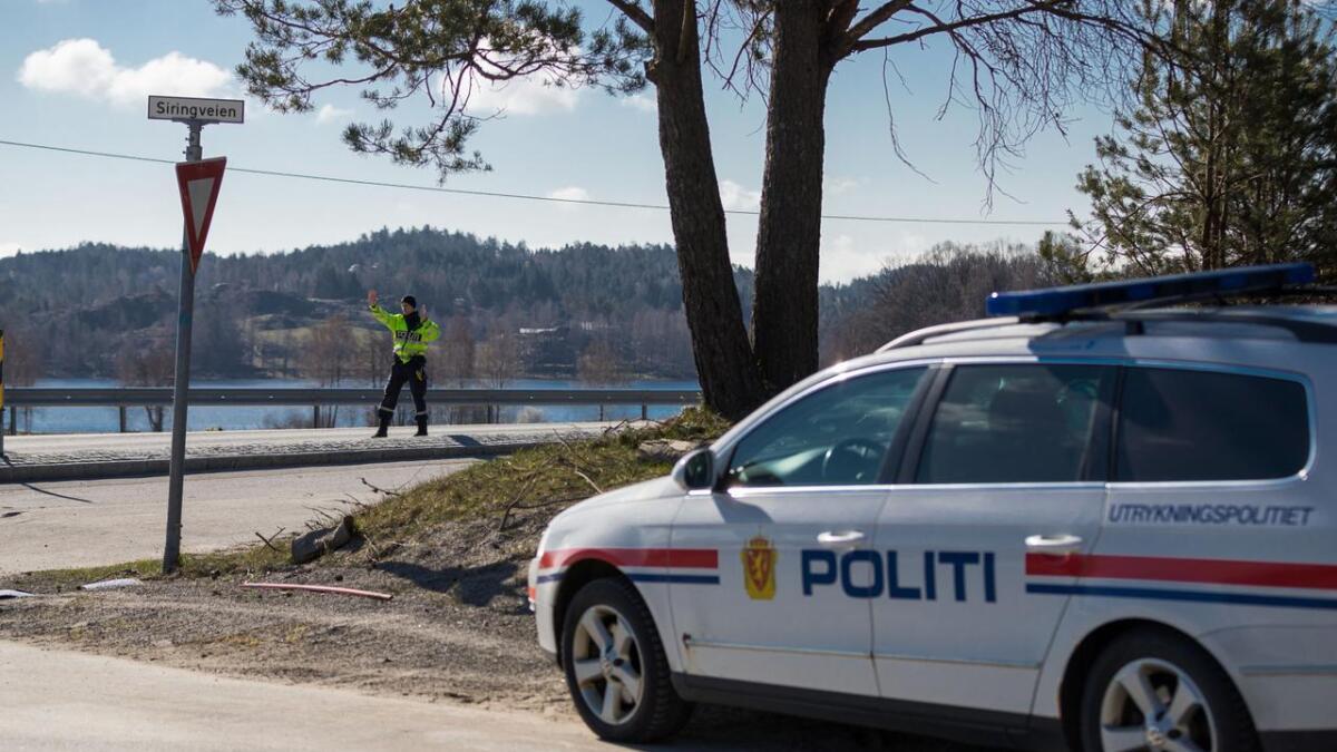 UP gjennomfører kontroll på E18 ved Brekka i Arendal onsdag formiddag.