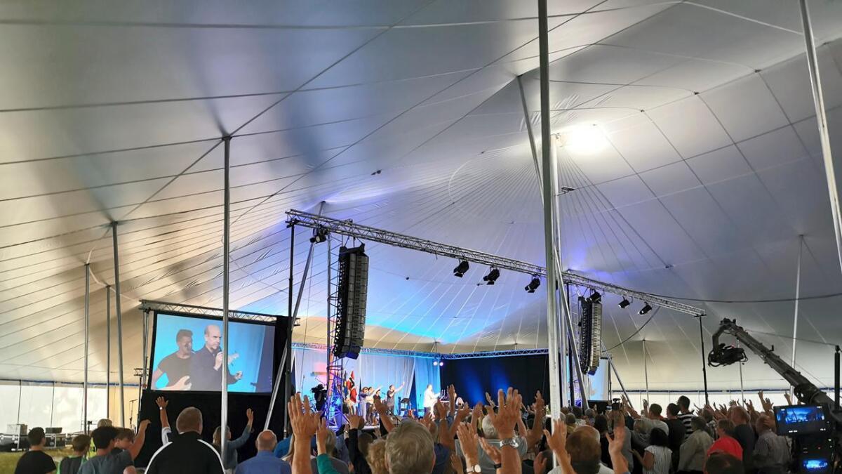 Den latinamerikanske pastoren Claudio Freidzon, som var et av årets store trekkplastre på årets Himmel og Hav-arrangement har skapt debatt.