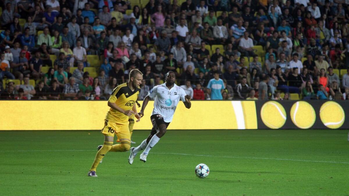 Da Olivier Occean kom fra tysk fotball og til Odd på utlån, ble det skrevet en opsjonsavtale for to år totalt, inkludert et halvt år leie. Nå har Eintracht Frankfurt gikk Odd-spissen godkjenning på at han kan bli permanent Odd-spiller. Her fra kampen mot Sheriff torsdag. Alle