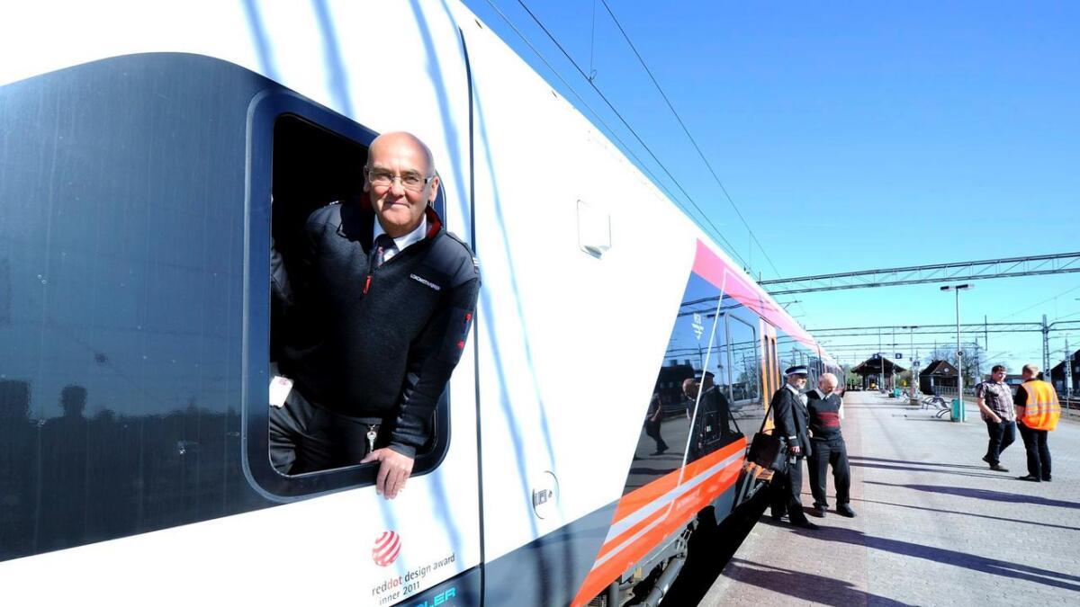 Mai 2012 var NSB på besøk i Skien med sitt nye tog. Flere og flere ønsker å ta tog i stedet for bil.