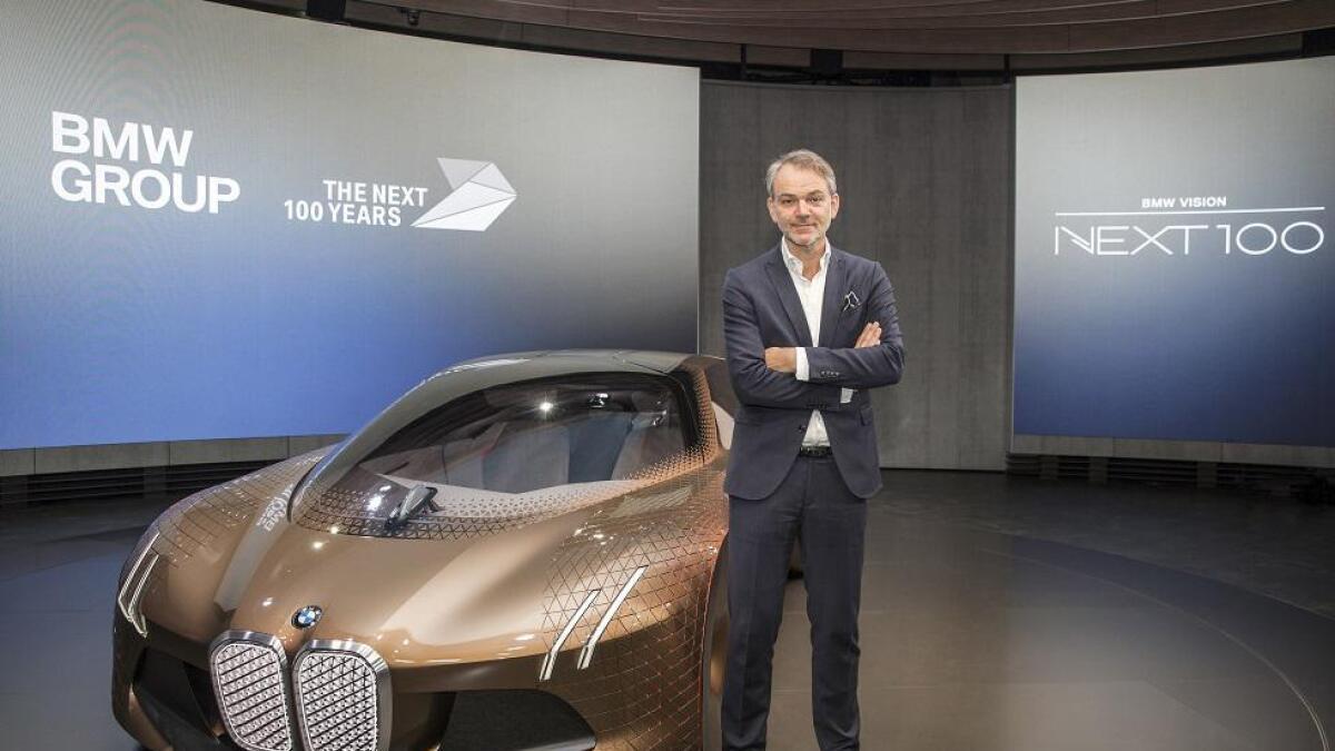 BMWs designsjef Adrian van Hooydonk sier mange av deres kommende elbiler vil se helt vanlige ut, men ikke alle.