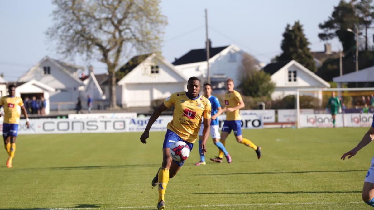 Chuma Anene scoret fire mål for Jerv i løpet av den første halvdelen av sesongen. Nå virker han tapt for Grimstad-klubben, men spissen vil heller ikke utelukke en Jerv-retur.