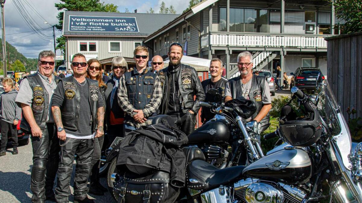 Leif-Owe Birkeland, Reino Kristiansen, Linnea Nyholm, Inger Gundersen, Martin Nielsen, Bjørn Gundersen, Tom Reidar Natvig, Espen Backstrøm og Frank Tellefsen.
