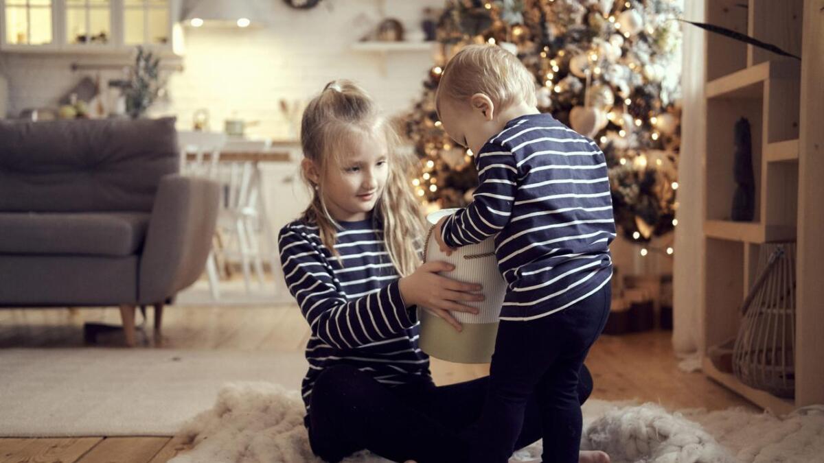Nordmenn bruker meir på julegåver i år enn i fjor, og besteforeldra bruker desidert mest.