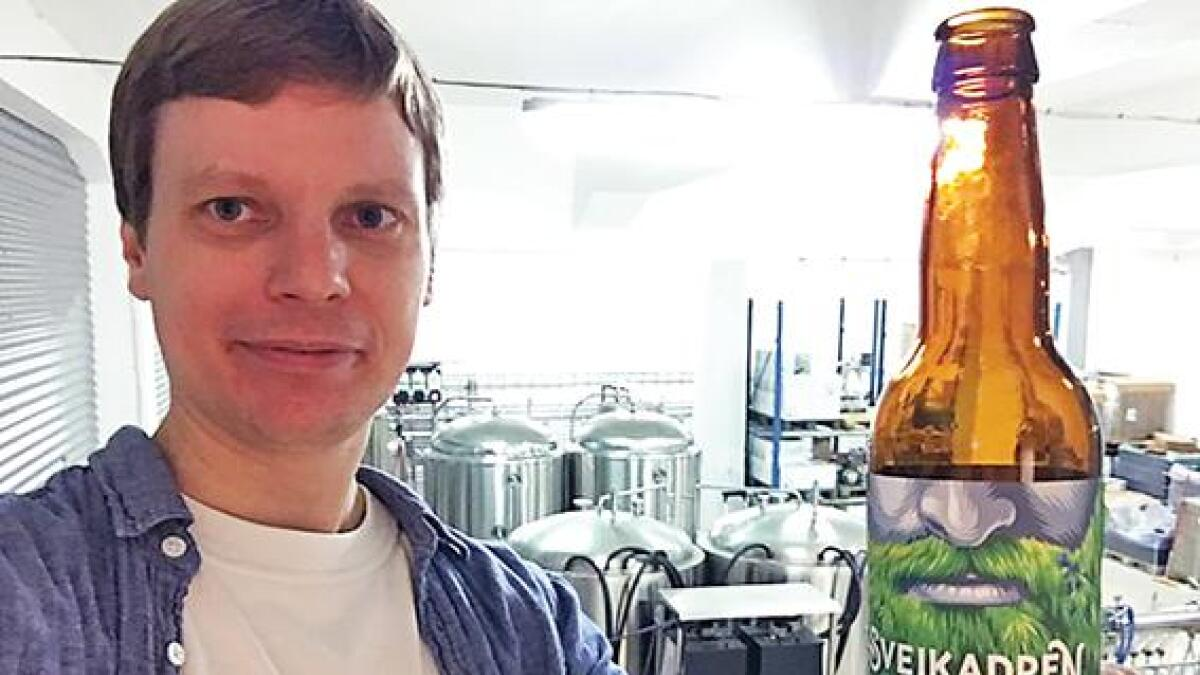 """Torkjel Austad i Bygland Bryggeri gler seg over global eksponering for ølet """"Sveikadden""""."""