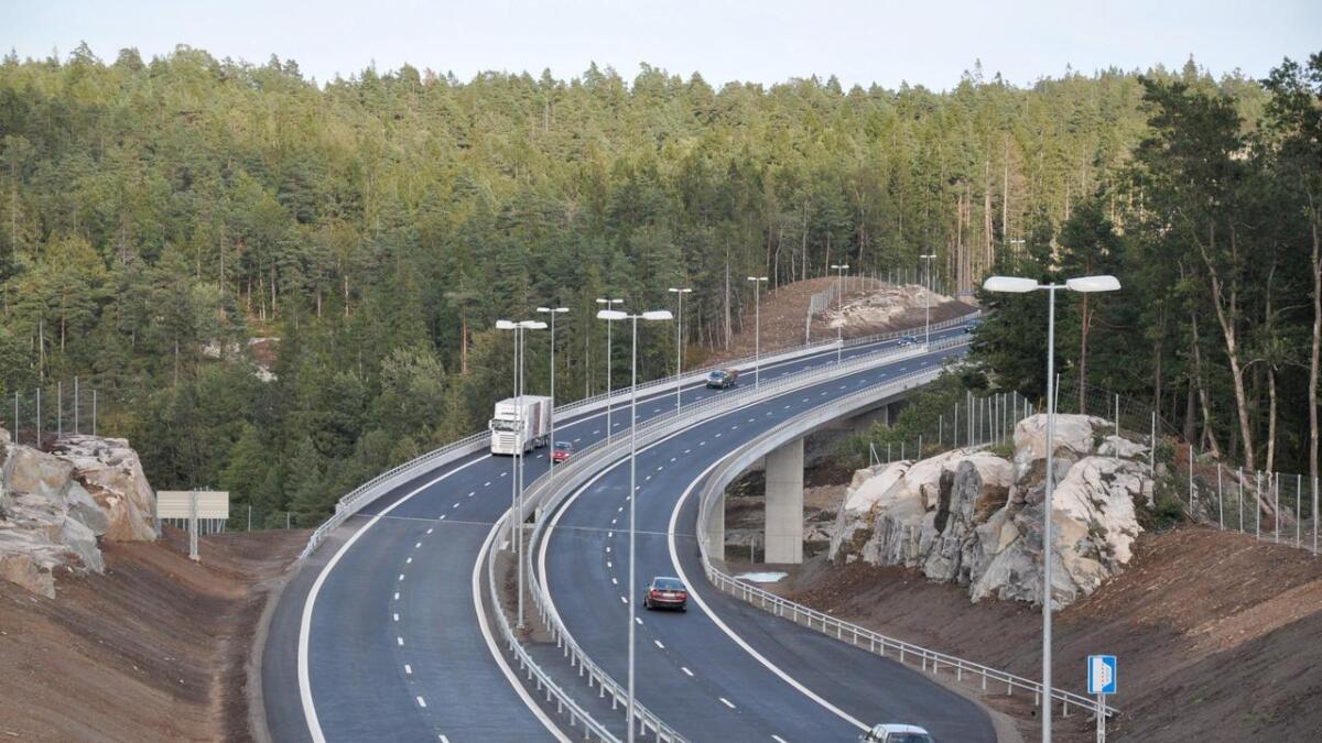 En 20 år gammel mann ble tatt for høy fart på E18 mellom Lillesand og Grimstad