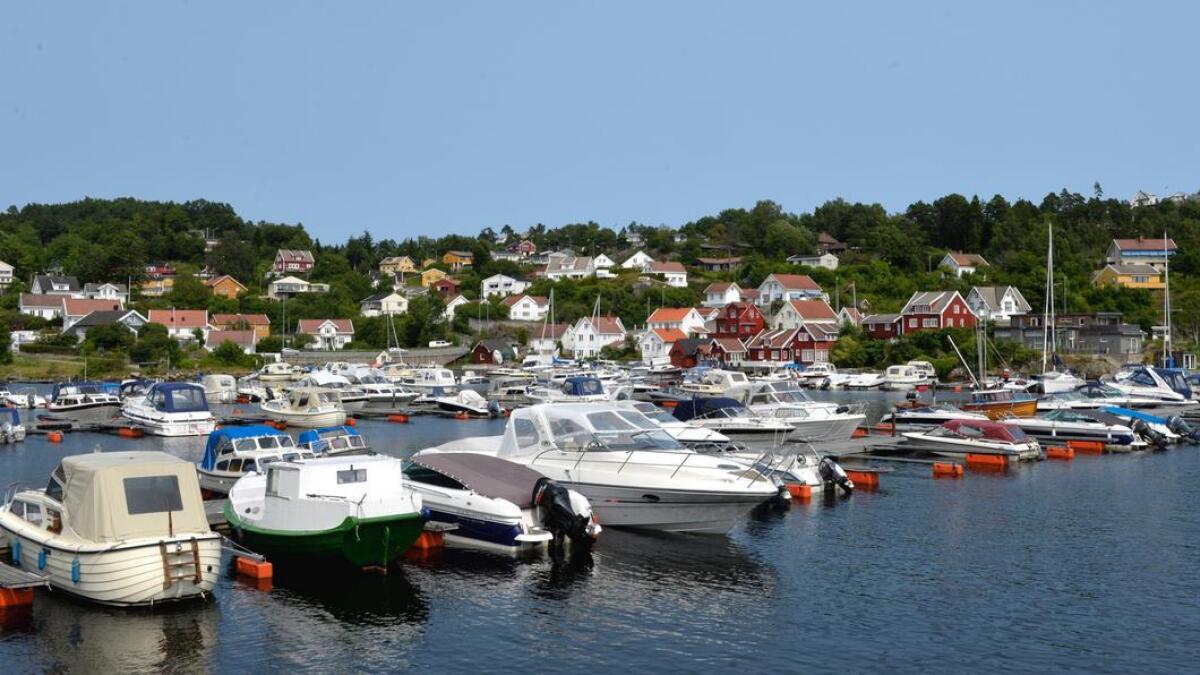 Fra 1. april må man selv følge med på om det blir ledige båtplasser der man ønsker å fortøye. Her fra den kommunale småbåthavnen i Songebukta.