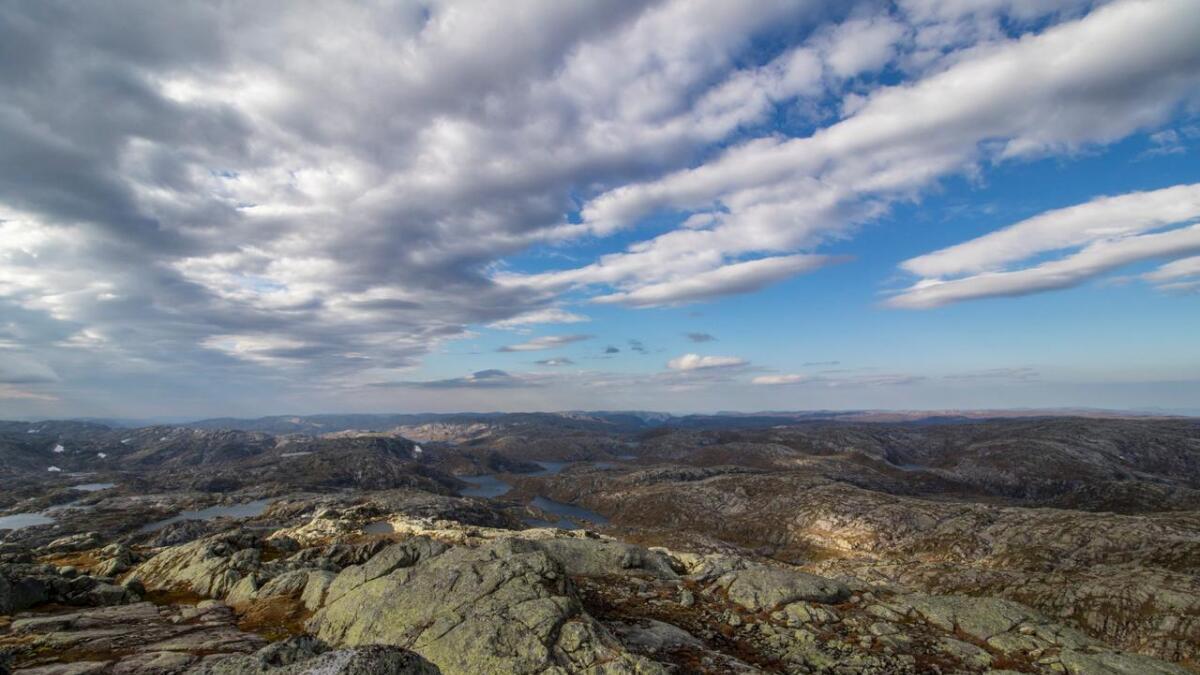 Kommunestyret i Modalen ønskjer ikkje vindkraftutbygging. Biletet viser utsika frå toppen av Eldhusfjellet (1206 moh.) i Stølsheimen.