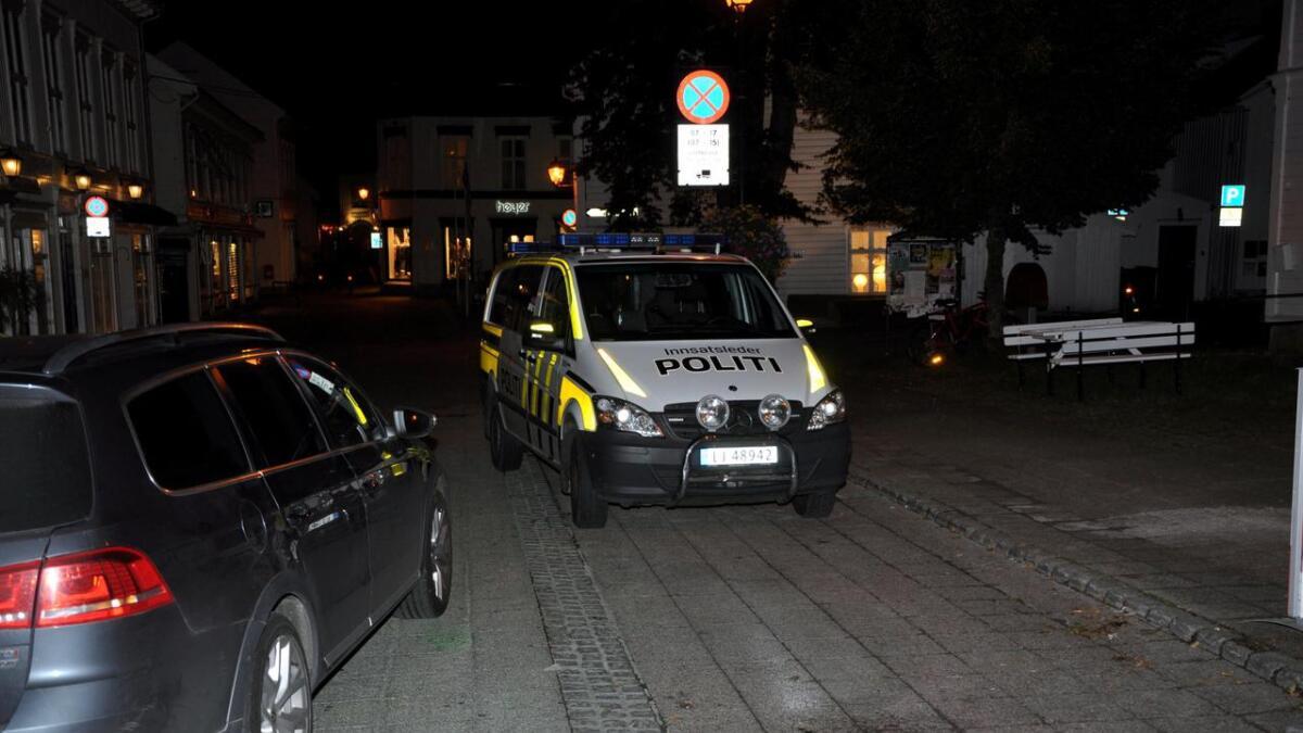 Politiet måtte i aksjon i sentrum et par ganger natt til lørdag.