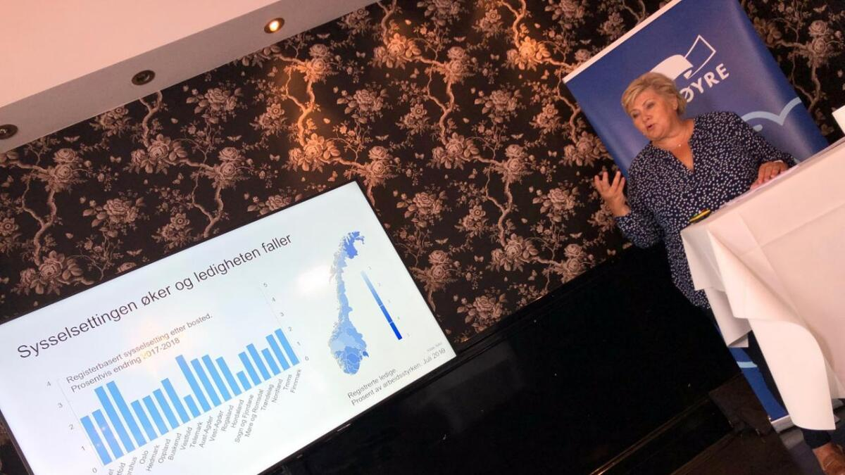 Erna Solberg med dyster statistikk for Aust-Agder.