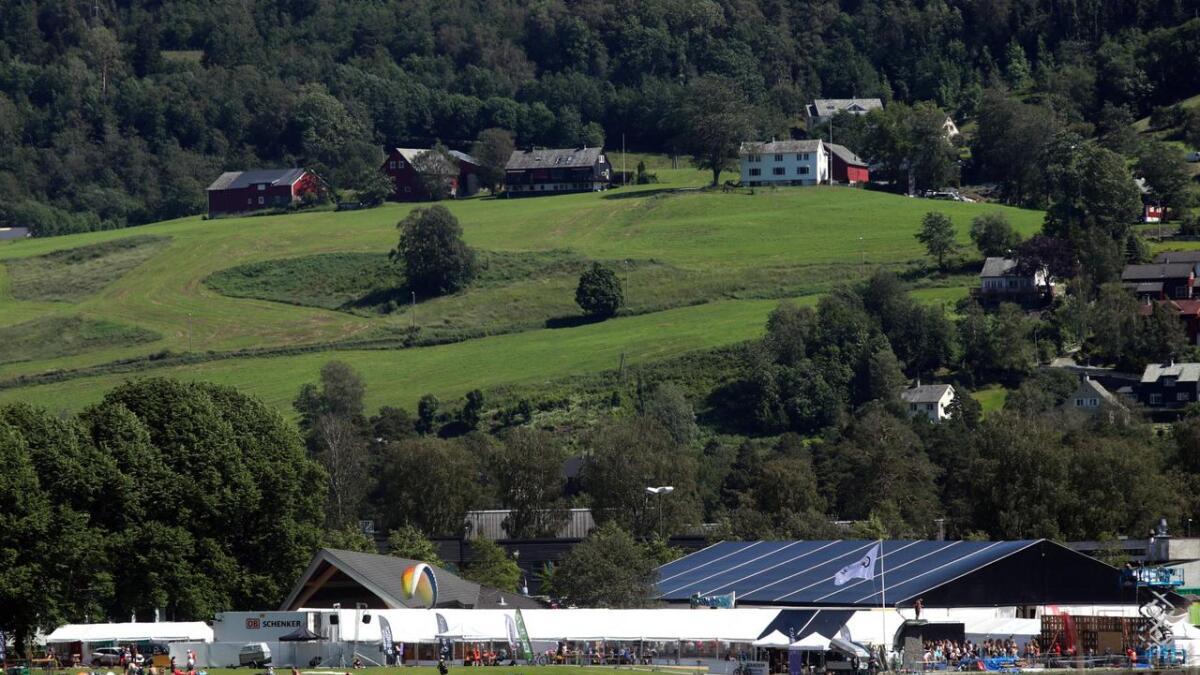 Ein mann vart send i arresten i Bergen etter å ha vore for full i teltet under Ekstremsportveko.