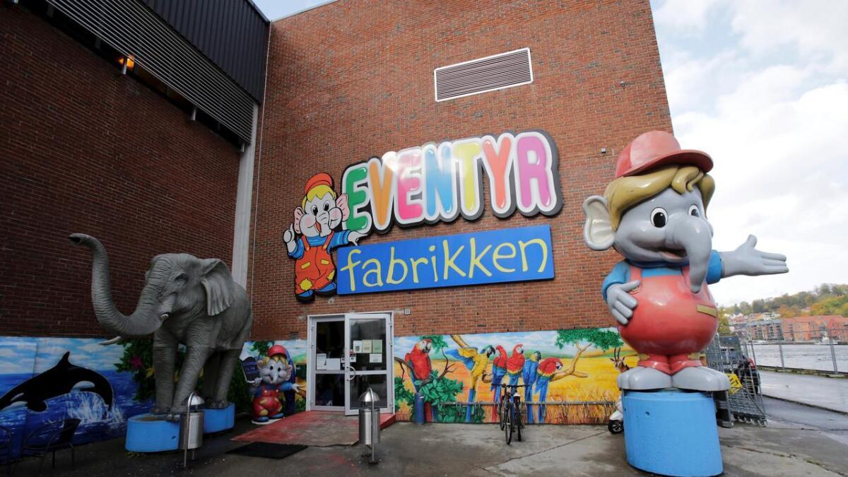 Eventyrfabrikken på Klosterøya i Skien er flittig brukt av Grenlands minste innbyggere. Nå søker de ny leder.