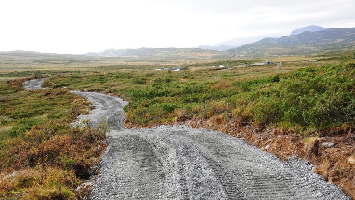 4 km, ferdig i 2020. Fyrste halvdelen frå badeplassen ved Lya til grensa til Torpoåsen blir bygd i haust. 3000 tonn masse blir køyrt ut med minidumper.