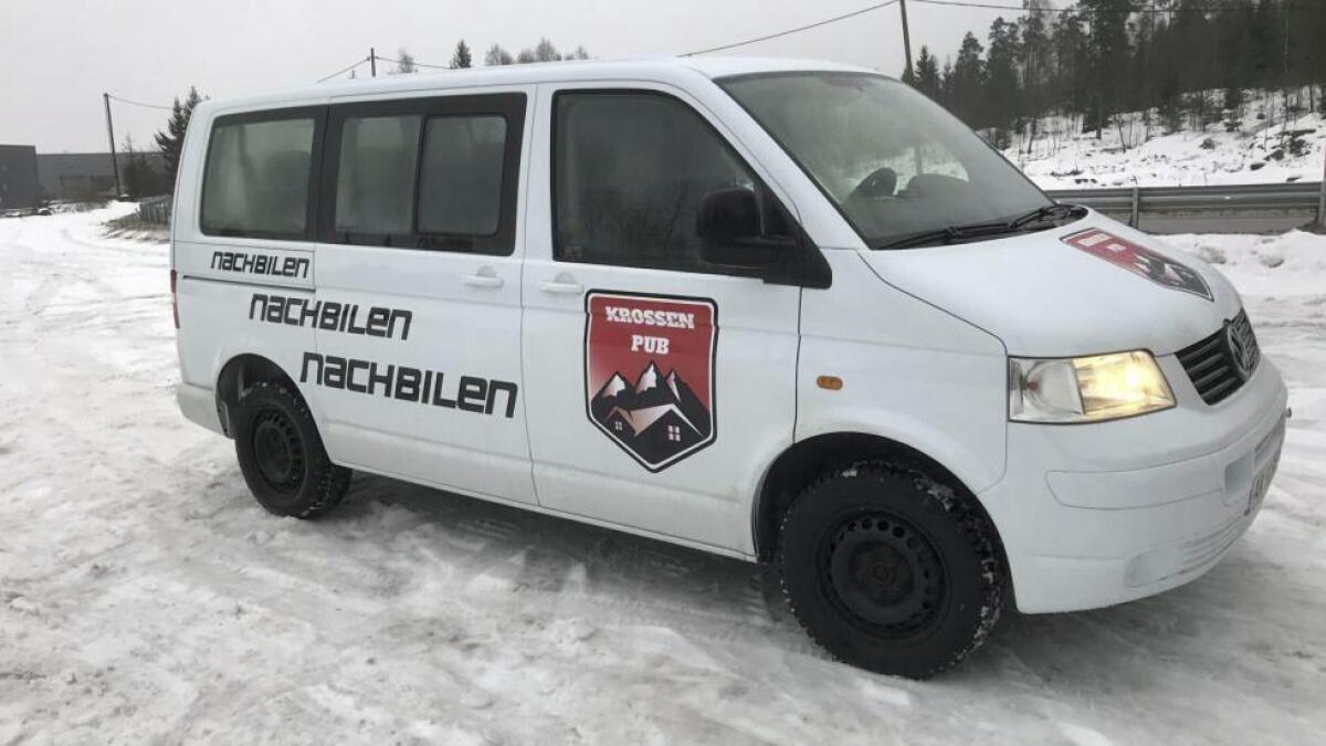 I januar gikk Krossen pub til innkjøp av en egen «vors»- og Nach»-minibuss til sine gjester.