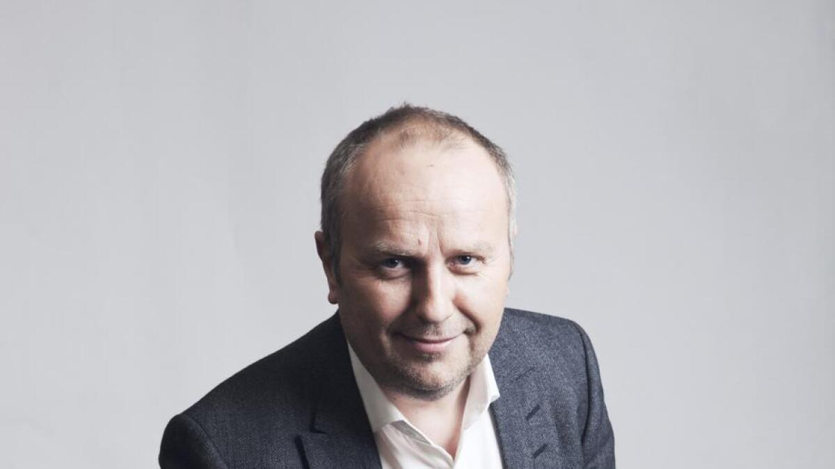 Hans Morten Hansen er med på Julelatter-laget som moderator og billettsal-garantist.