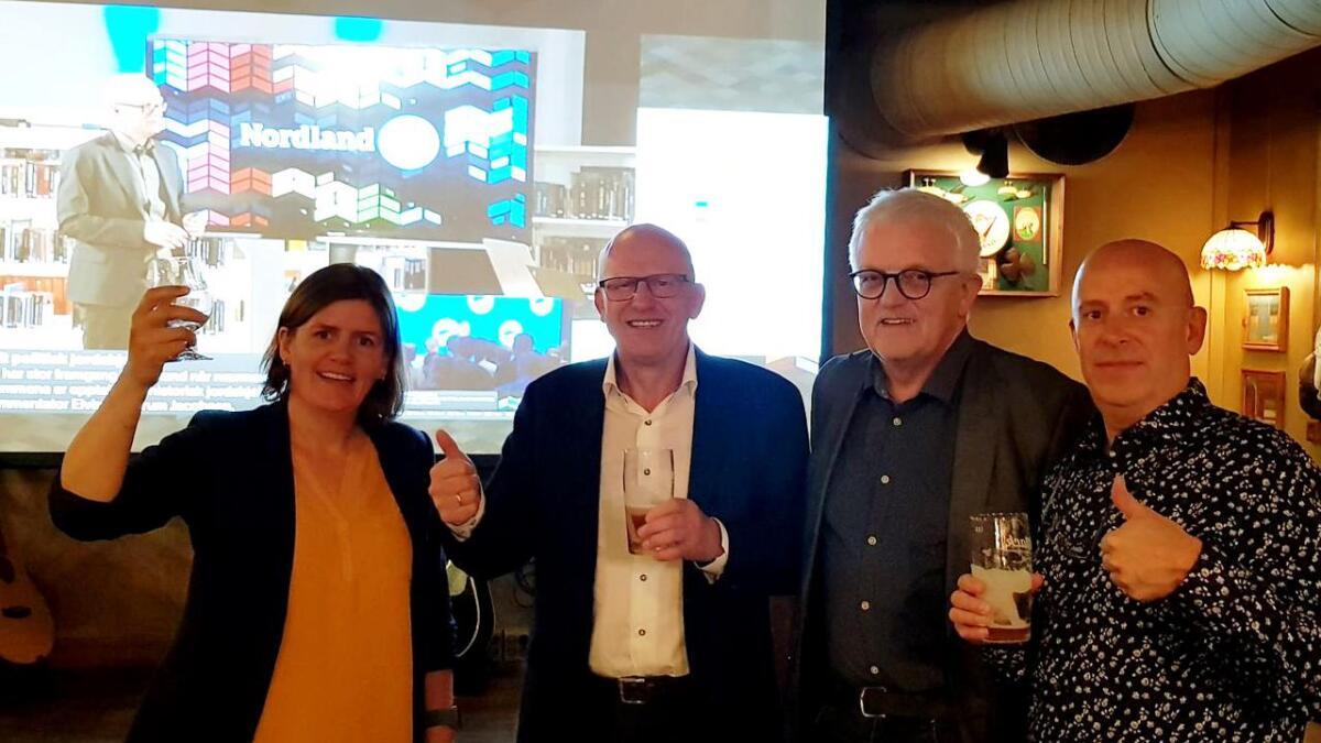 Marit Fleines, Ørjan Robertsen, Jan Steffensen og Knut Granlund er storfornøyd med en framgang på over ni prosent for Melbu og omegn Samarbeidsliste. Nå åpner de for forhandlinger.