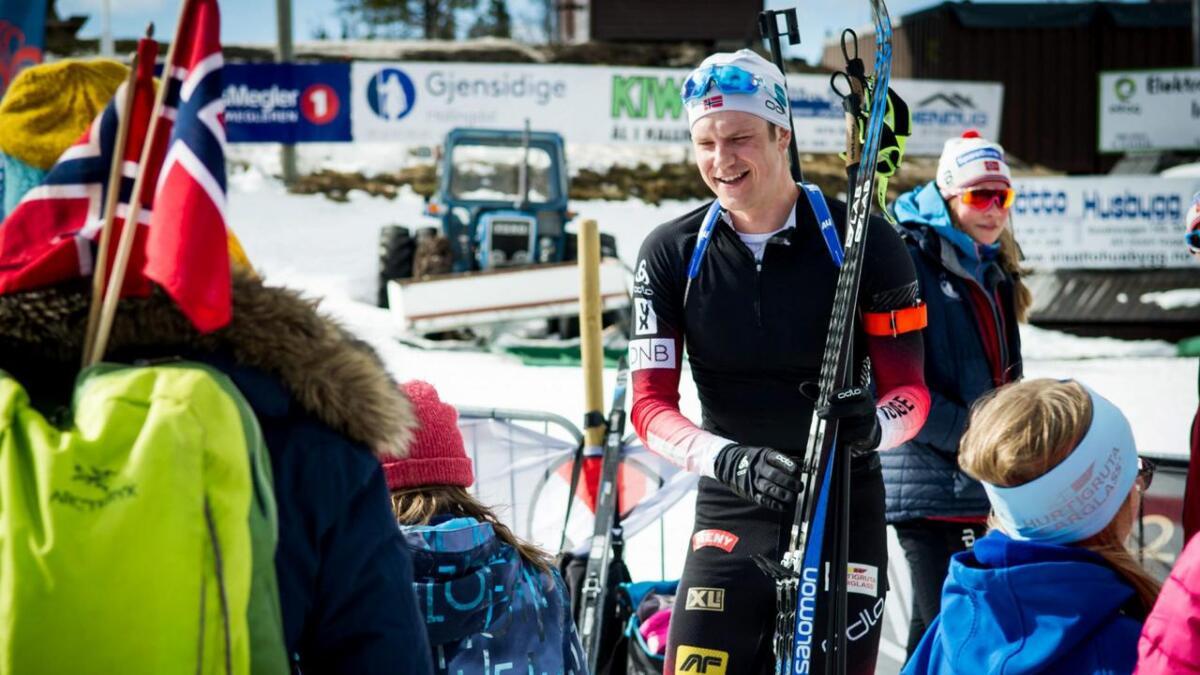 Vetle Sjåstad Christiansen var ein populær mann å få selfie med under NM på Liatoppen i vinter.