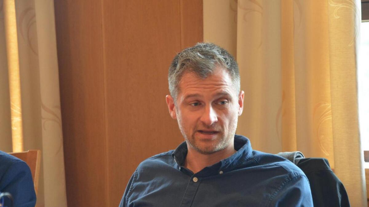 Raymond Bærø, familiefar , pårørende til rusavhengige og lokalpolitiker har tatt initiativ til et opprop mot kampanjer som ufarliggjør rusmidler på skolene.