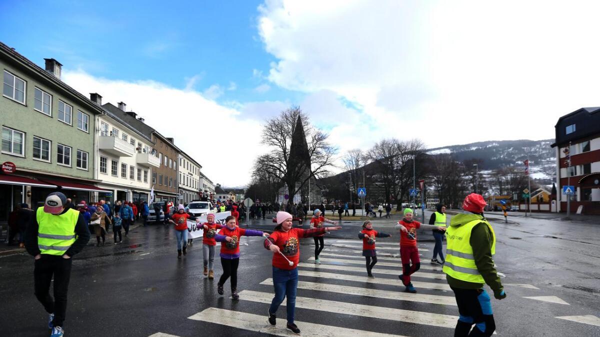 Drilljentene styrte showet, og gjekk fyrst i årets parade.