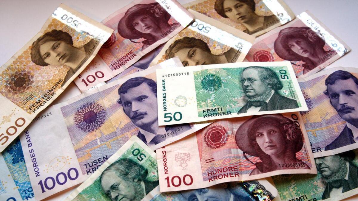 Fredag 18. oktober tas gamle 50- og 500-kronesedler ut av sirkulasjon