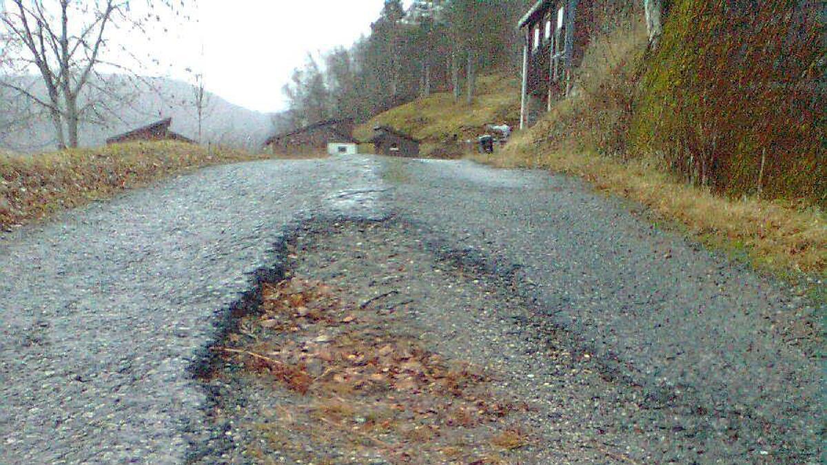 Den 1,5 kilometer lange vegstrekkja mellom Fv 572 og Bergo har trong for vedlikehald, og har vorte prioritert øvst på lista.