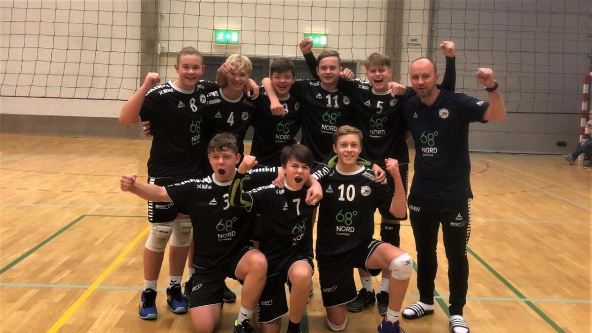 G17-laget til Sortland volleyballklubb lå under mot BK Tromsø i finalen, men snudde kampen og vant 2-1.