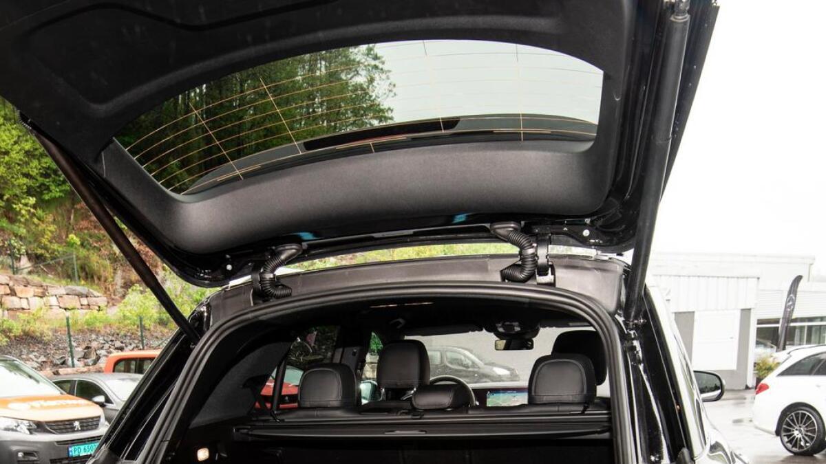 God plass i bagasjen. Du kan også sette inn en ekstra seterad, eller slå ned baksetet for ekstra god plass til bagasjen.