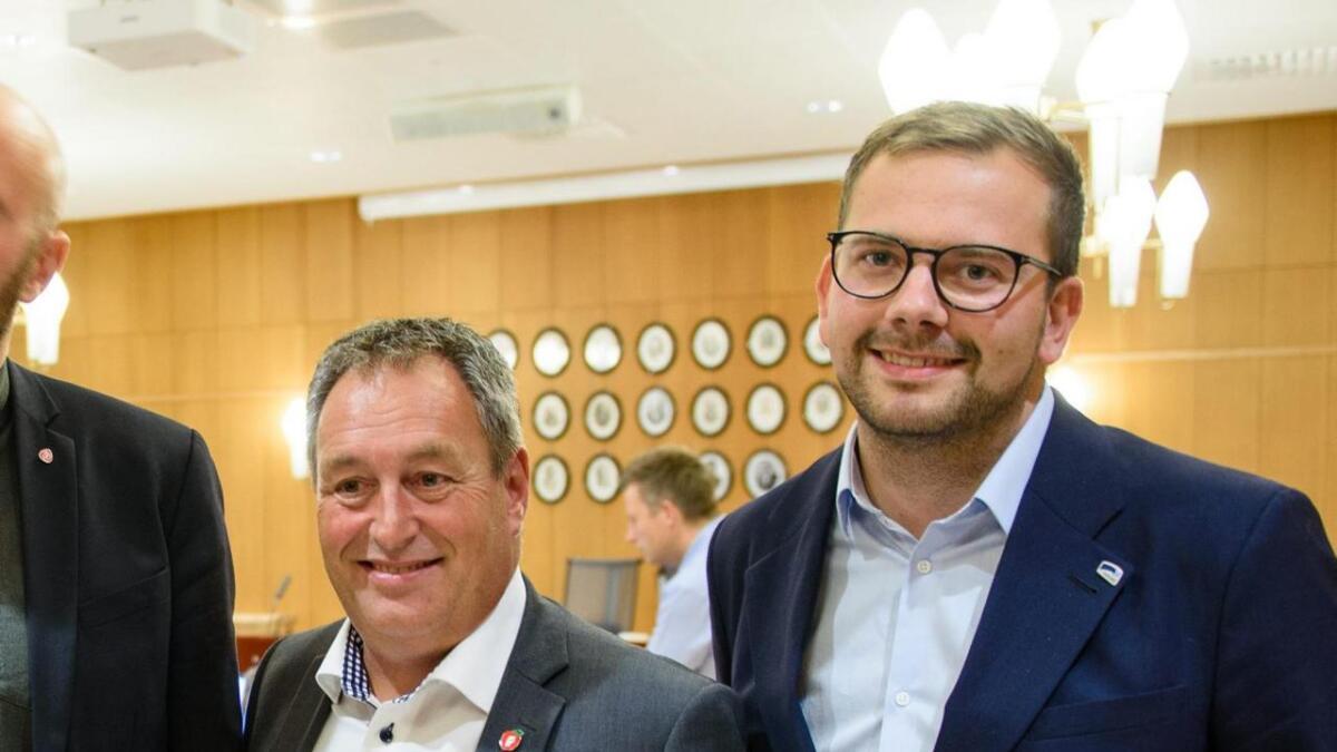Sigbjørn Framnes i Stord Frp (t.v.) og Øyvind Kyvik i Stord Høgre, her under valdagen måndag.