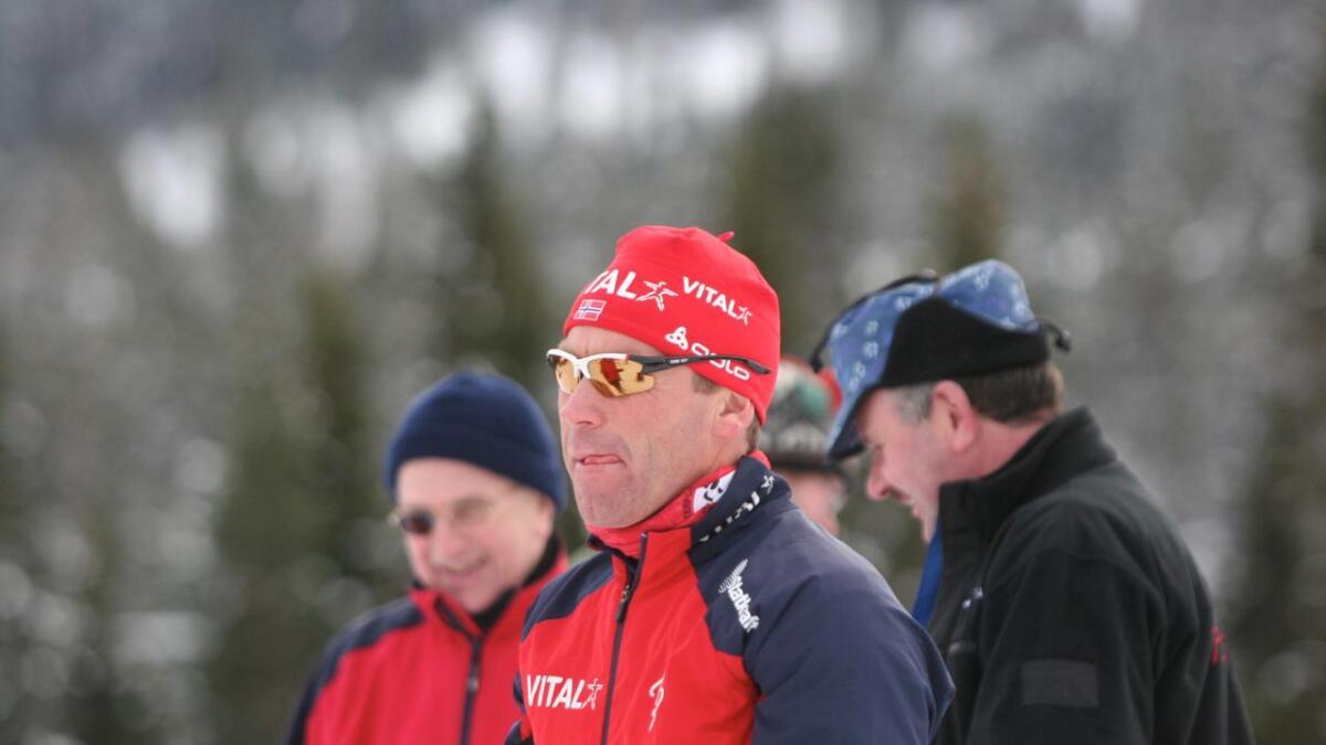 Joar Himle gjer suksess med innhopp som trenar for det norske og det canadiske landslaget i skiskyting. No er fleire land ute etter trenaren frå Voss.