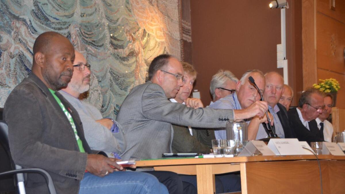 Om få dager kan du forhåndsstemme, og mandag 9. september er det kommunevalg. Bildet er fra en debatt før sist kommunevalg.