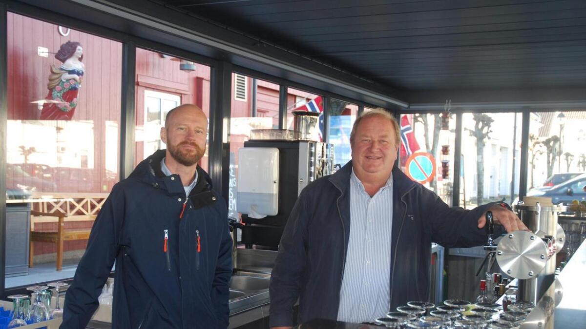 Niklas Grønning fra Kjerlingland Brygghus og Roger Schanke Heimdal inviterer til ølprat på Beddingen i kveld.