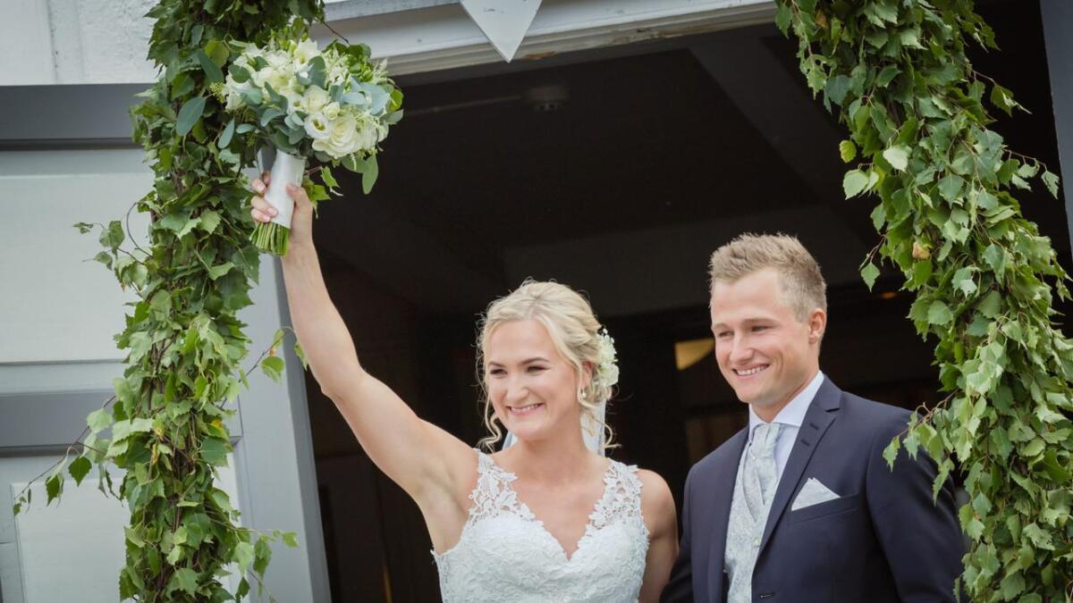 Marte fikk sin Sverre i Froland kirke 11. august. Nå har begge fått et lengre etternavn.