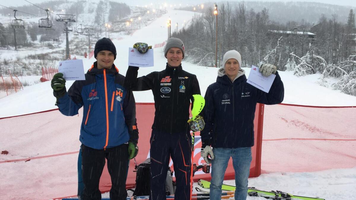Marius Brakestad (i midten) vann fleire FIS-renn. No manglar han motivasjon til å satsa vidare.