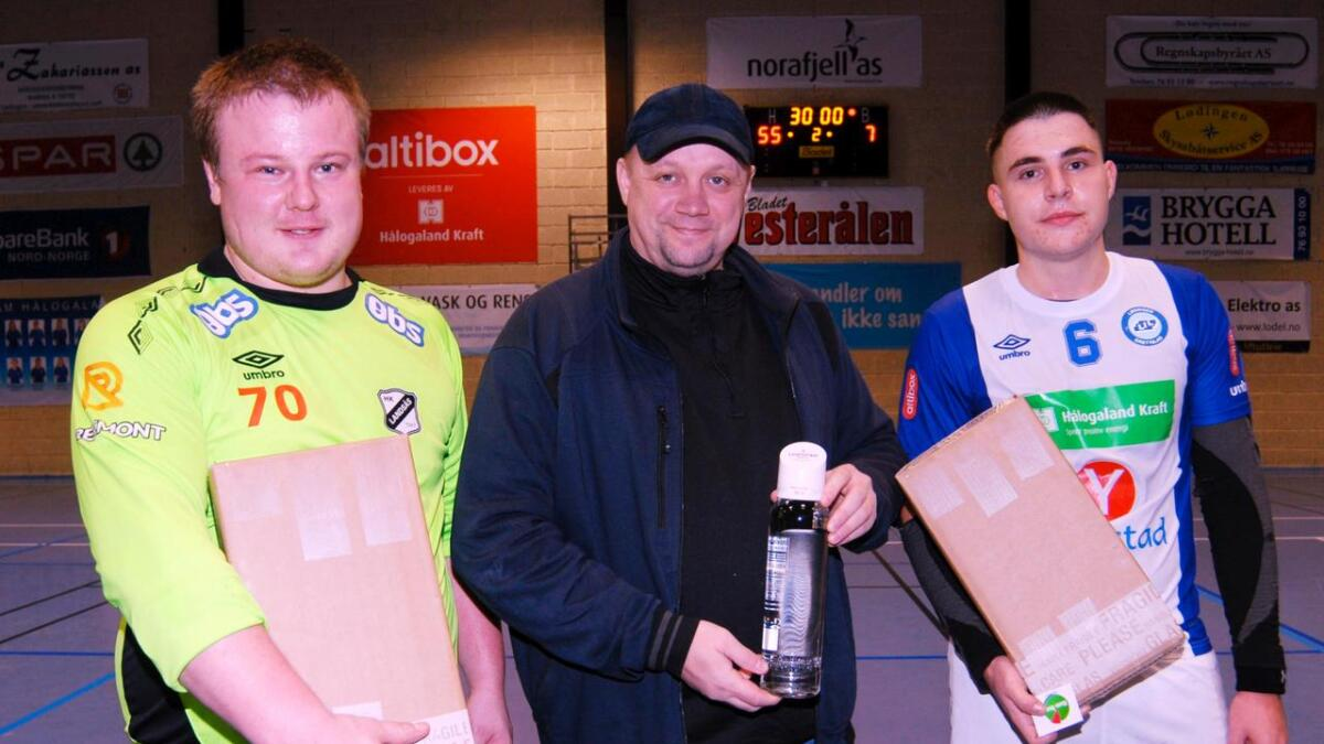 Bestemannspremiene under lørdagens kamp gikk til Ole-Jonny Steen og Georgi Atanasov. Prisen ble delt ut av tidligere Lødingen-trener Kjell-Hugo Pedersen.