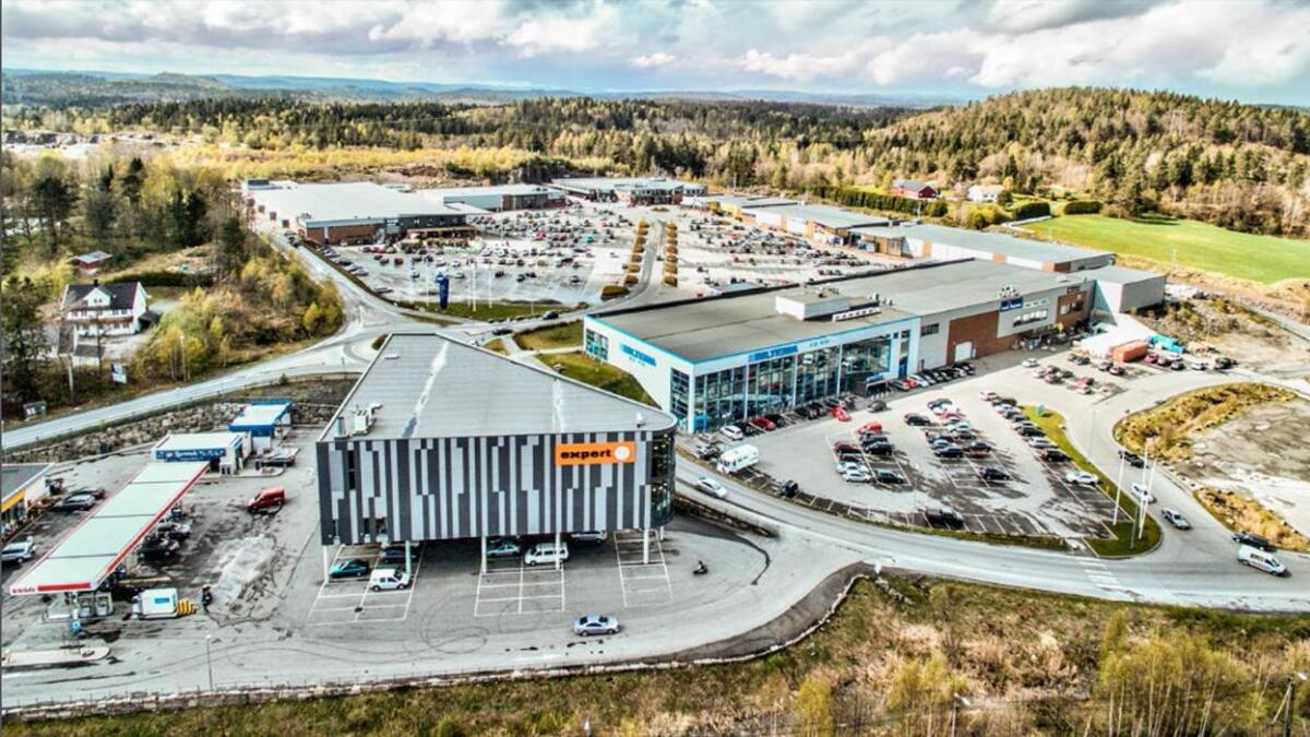 Det engelske oppkjøpsfondet Tristan Capital Partners betalte i går rundt 450 millioner kroner for fylkets største handelspark, Stoa Vest i Arendal. Bildet er fra selger Nordea Liv Eiendoms salgsprospekt.