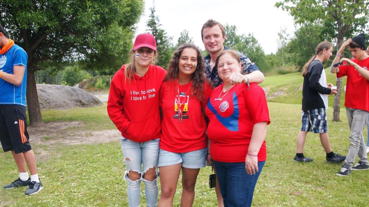 Irma (leder) fra Spania, Carlotta (delegat) fra Portugal, Euginia (leder) fra Costa Rica og Jonty (leder, bak) fra UK.
