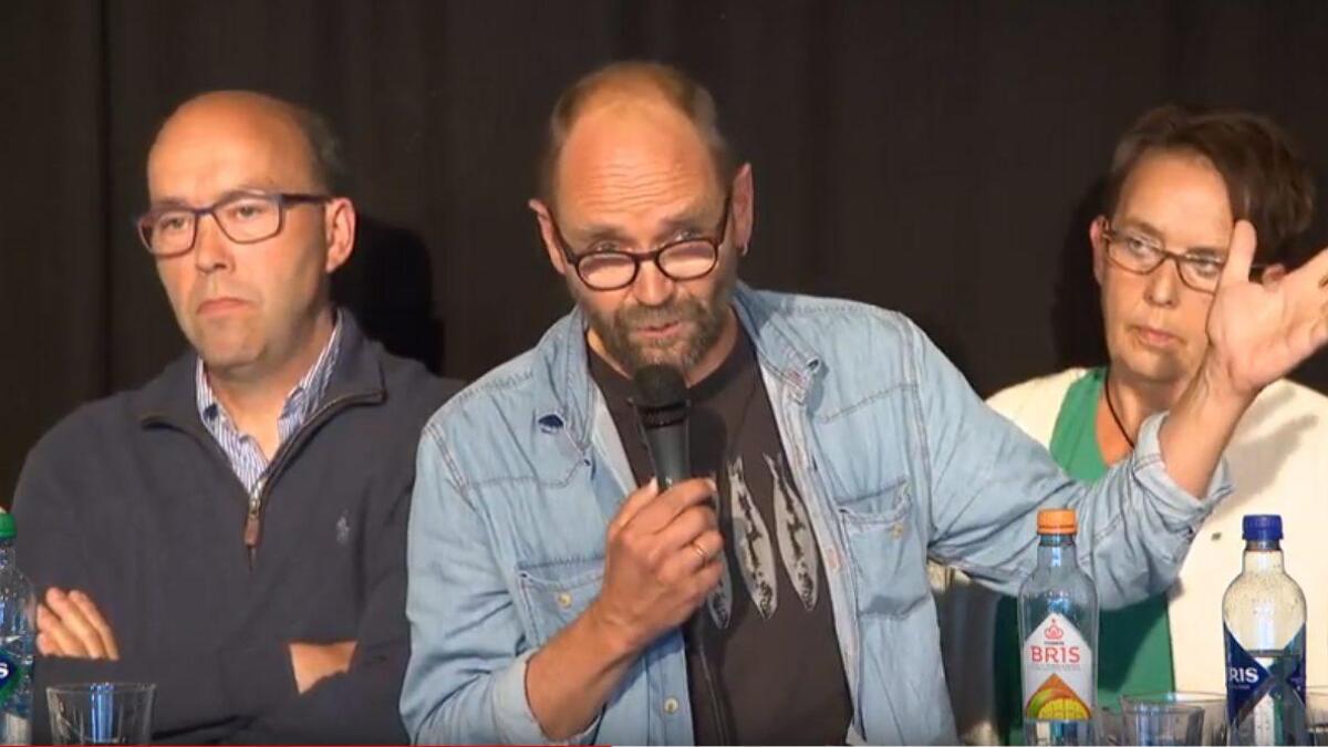 Erlend Helle under valkampdebatten i Nes.